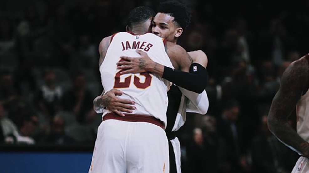 promo code a5b95 c9a41 Dejounte Murray tweets photo of LeBron James in a Spurs ...