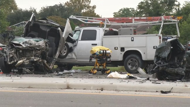Multiple vehicles involved in deadly crash on Poteet Jourdanton