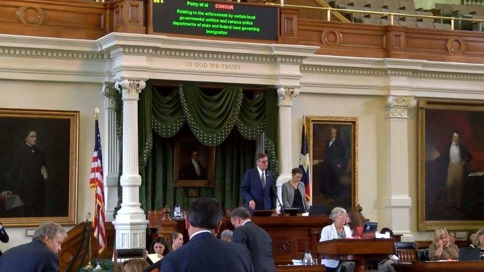 Texas lawmakers approve number of public information