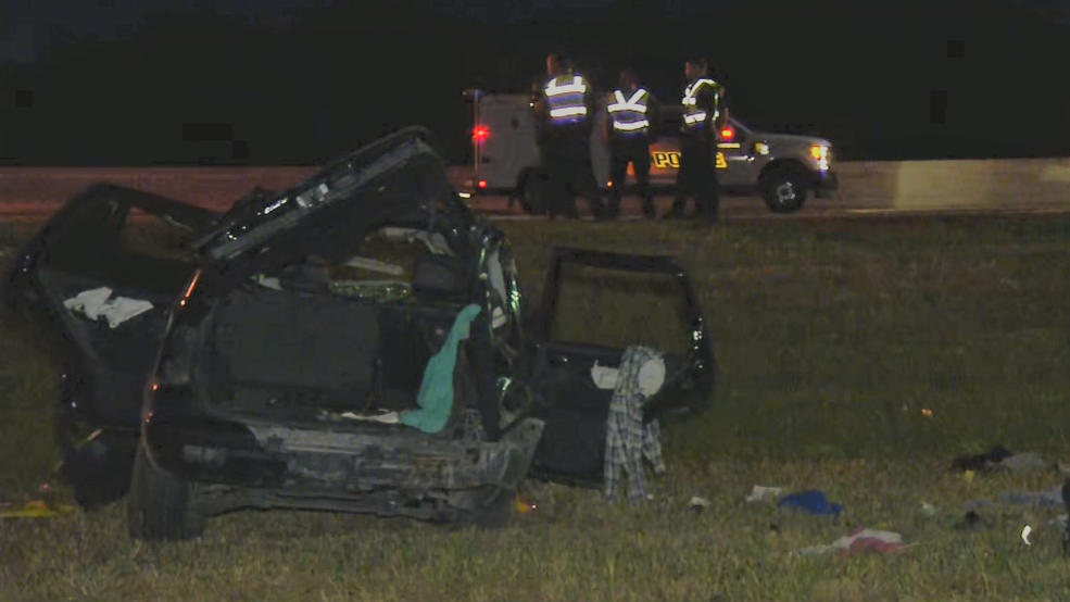 Man killed in rollover accident identified | WOAI