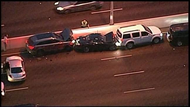 Wrecks cause huge traffic mess on Hwy  281 during morning