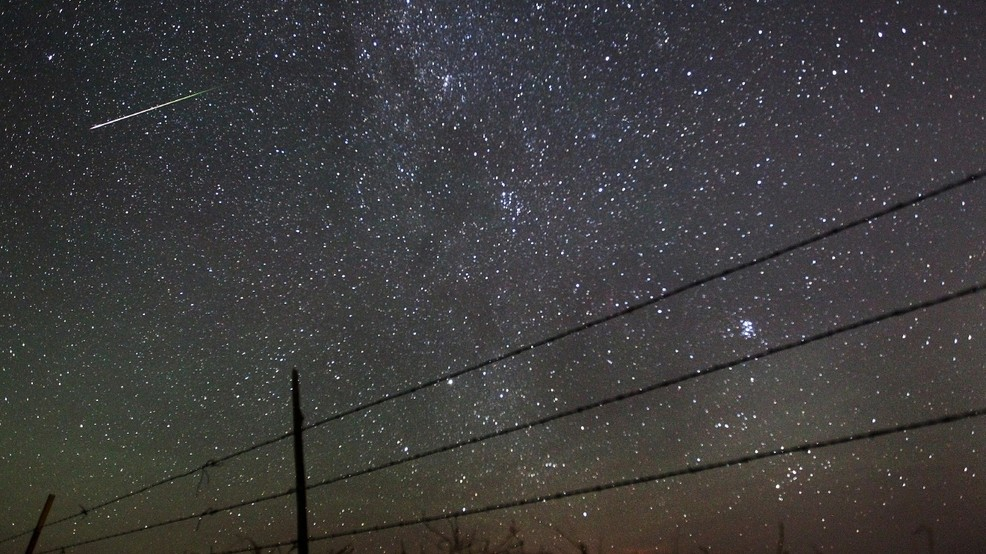 Two meteor showers predicted to peak Monday night | WOAI